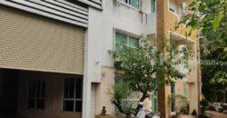 ขายโกดัง พร้อมสำนักงานและที่อยู่อาศัย ทำเลดี ใกล้โลตัส เดินทางสะดวก ติดถนนใหญ่ ใกล้ CAT ติดโรงเรียนเซนต์แมรี่ ใจกลางเมืองอุตรดิตถ์ พื้นที่ดิน 1 ไร่ 1 งาน 96 ตร.วา พื้นที่โกดัง 2475 ตร.ม. พื้นที่สำนักงาน 96 ตร.ม.