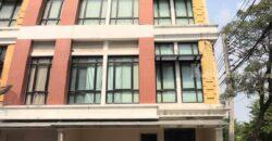 โฮมออฟฟิศ 4 ชั้นใจกลางเมือง ย่านบางนา เหมาะมากทั้งที่อยู่อาศัย ทั้งทำออฟฟิศ ถูกสุดในบริเวณ