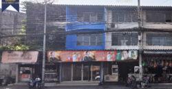 อาคารพาณิชย์ 3 ชั้น ติดถนนเคหะร่มเกล้า ทำเลค้าขาย ลาดกระบัง ที่ตั้ง : ถนนเคหะร่มเกล้า แขวงคลองสองต้นนุ่น เขตลาดกระบัง กรุงเทพมหานคร