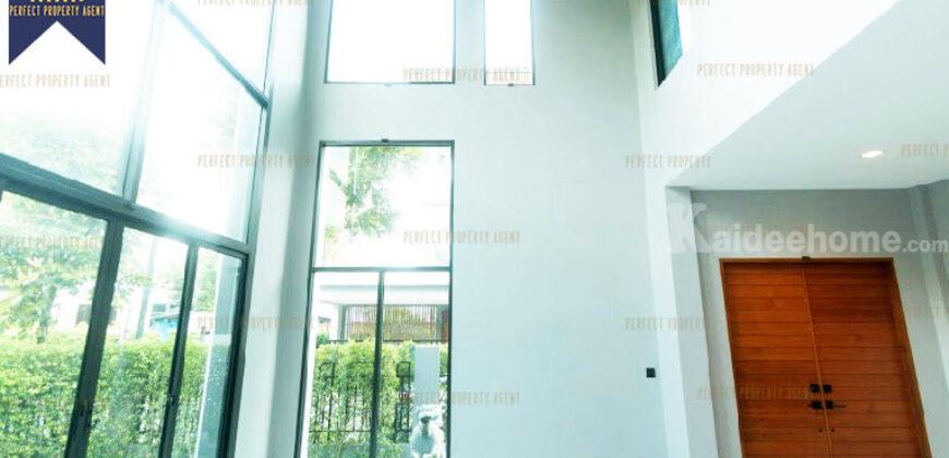 บ้านเดี่ยว 3 ชั้น The Gentry Sukhumvit 101 พระโขนง โครงการ : The Gentry Sukhumvit 101 พระโขนง ที่ตั้ง : ถนนสุขุมวิท แขวงบางจาก เขตพระโขนง กรุงเทพมหานครฯ